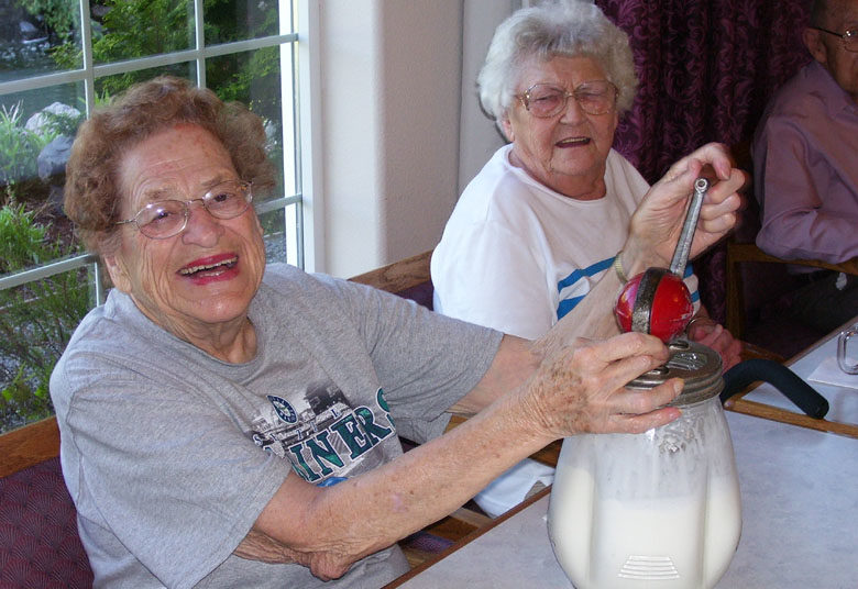 arts and crafts longview wa, making ice cream longview wa, senior activities longview wa