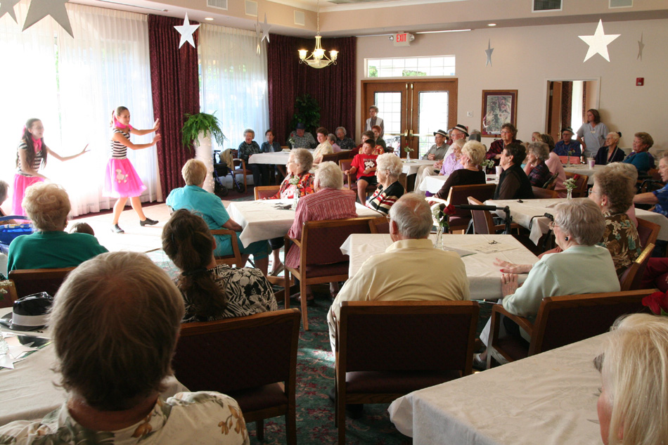 live music longview wa, dancing longview wa, somerset longview wa, senior activities longview wa, senior living longview wa