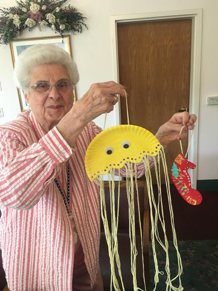 senior party longview wa, summer party longview wa, arts and crafts longview wa, senior activities longview wa, senior news longview wa, assisted living longview wa, senior living longview wa, retirement community longview wa, somerset longview wa