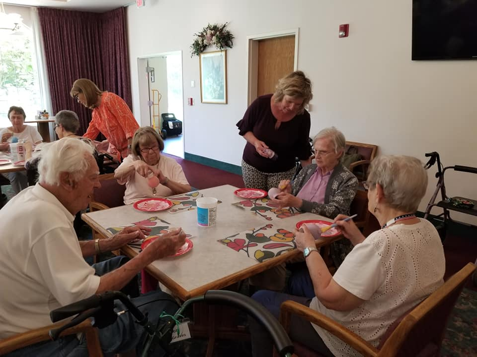 pottery longview wa, pottery painting longview wa, senior living longview wa, senior activities longview wa, senior fun longview wa, senior entertainment longview wa, retirement home longview wa, assisted living longview wa, somerset longview wa, nest longview wa, nest pottery longview wa