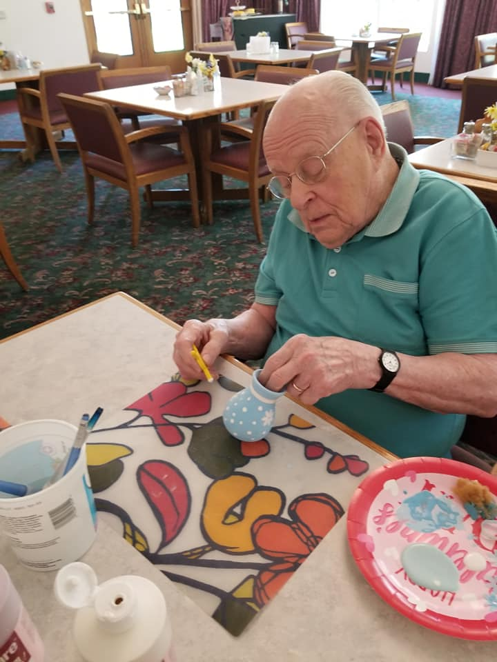 senior fun longview wa, senior activities longview wa, senior living longview wa, retirement home longview wa, assisted living longview wa, pottery painting class longview wa, pottery class longview wa, somerset longview wa