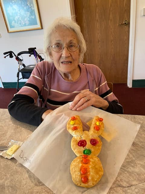 senior activity longview wa, senior entertainment longvie wa, baking longview wa, easter longview wa, senior living longview wa, assisted living longview wa, retirement home longview wa