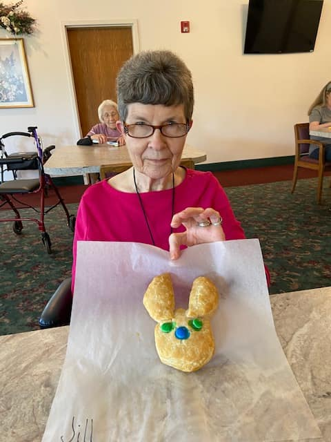 easter longview wa, baking longview wa, senior activities longview wa, senior news longview wa, senior living longview wa, assisted living longview wa, retirement home longview wa. somerset longview wa