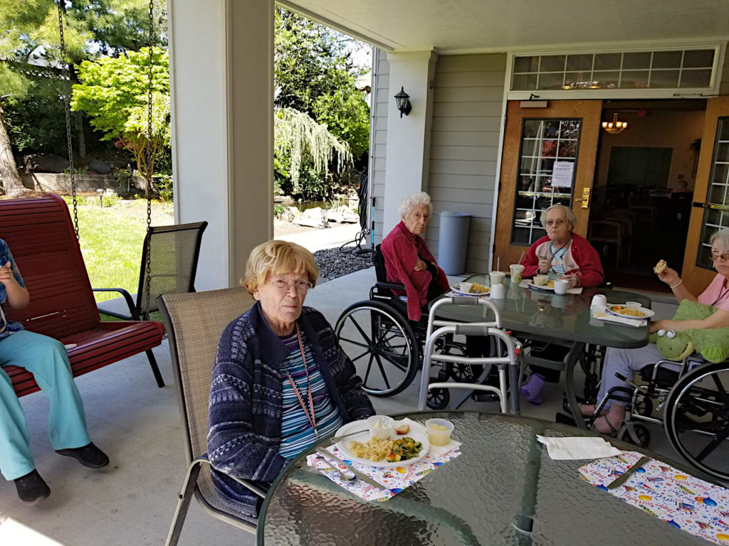 mothers day longview wa, senior activities longview wa, may longview wa, picnic longview wa, senior living longview wa, assisted living longview wa, retirement home longview wa, senior home longview wa, retirement community longview wa, somerset longview wa