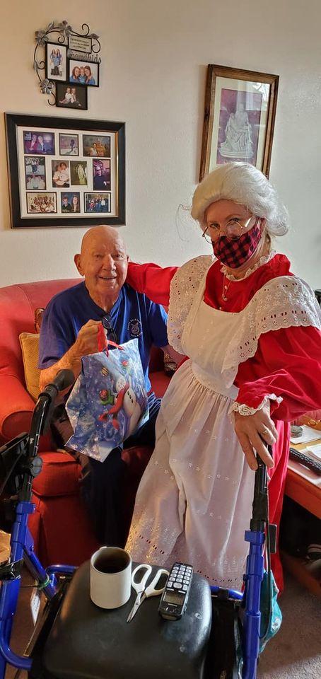 christmas senior living, assisted living, senior living, retirement home, somerset assisted living, somerset senior living, somerset retirement, longview wa, somerset longview wa